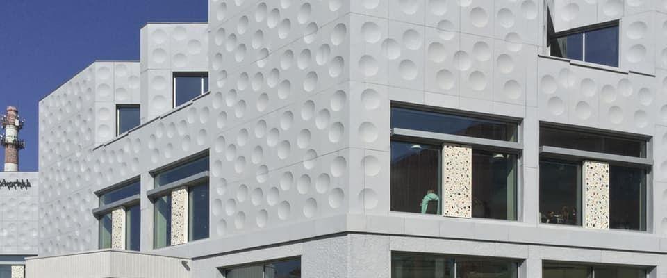 монтаж фасада дома
